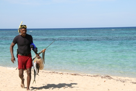 Local harpooner on Playa Maguana